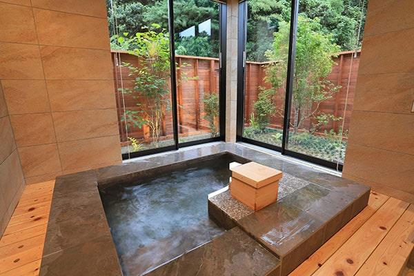 ヴィラ:客室内天然温泉
