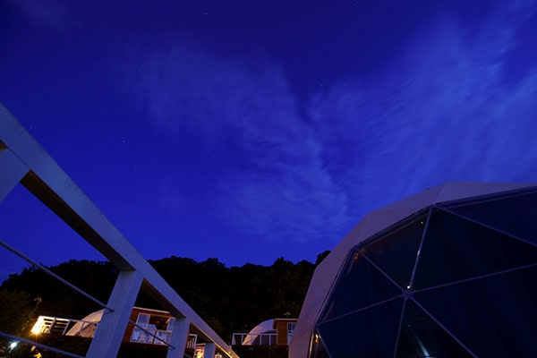 天気が良ければ、綺麗な夜空が見れます。都会で見る夜空とは少し違うかも!