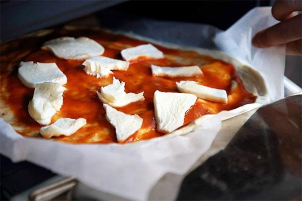 薪ストーブピザ